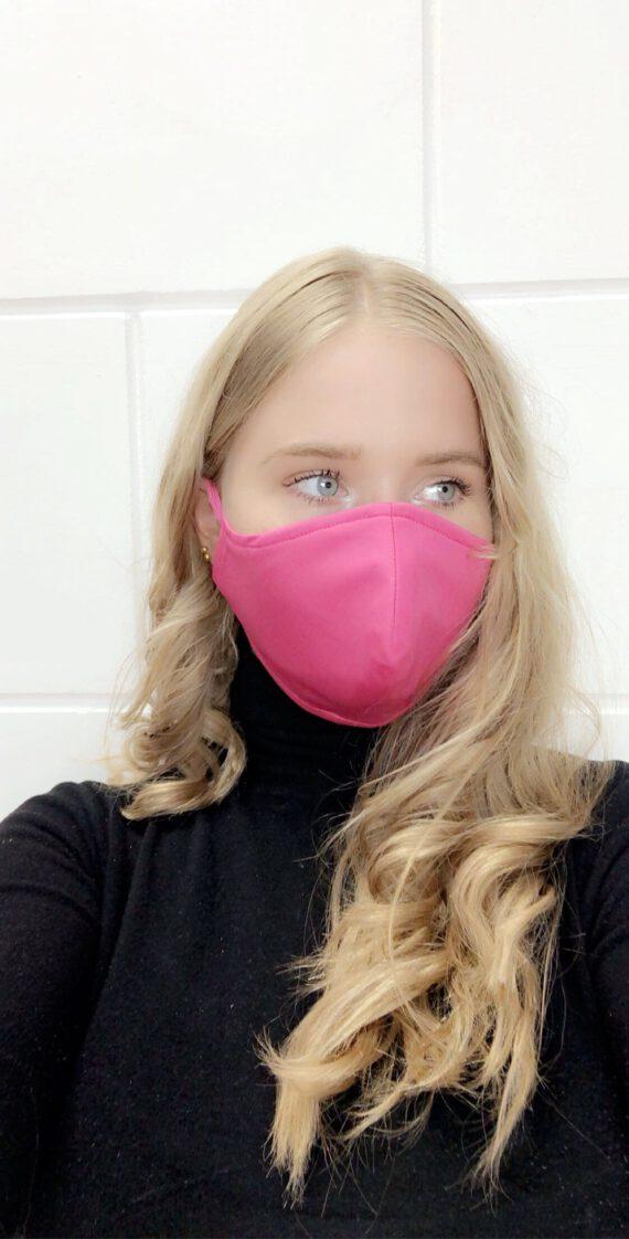 mondkapje in het roze